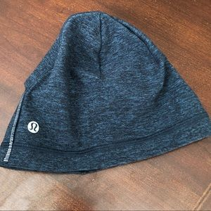 Lululemon run it out torque blue beanie cap